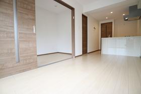 鹿児島市電唐湊線/神田(交通局前) 5階/5階建 新築