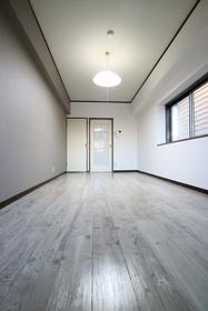 鹿児島市電谷山線/脇田 3階/5階建 築31年