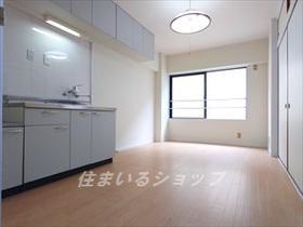 広島交通・JRバス・広島バス/下岩ノ上バス停 4階/4階建 築41年