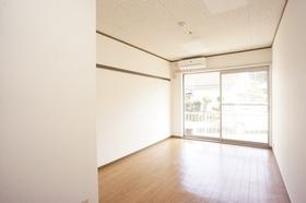 JR根岸線/本郷台 1階/3階建 築32年